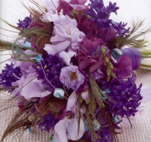 purple-sweetpeas-hyacinths-bouquet